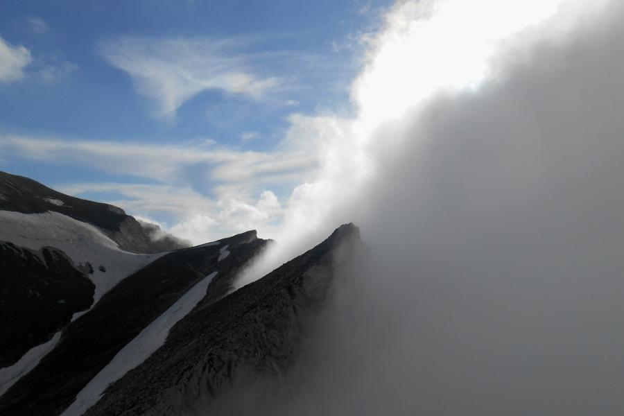 clouds closing in