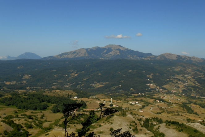 Monte del Papa (2,005m) and the Sirino massif, seen from Mt. Alpi, the west face