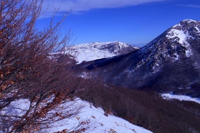 Serra delle Ciavole and Mt. Pollino (from Serra del Prete)