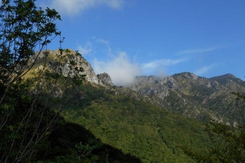 Clouds lingering between Mt. Faghitello & Montea